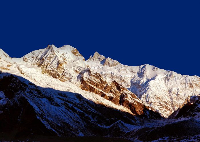 Mounatin vie of goecha peak and kanchenjunga from goechala view point